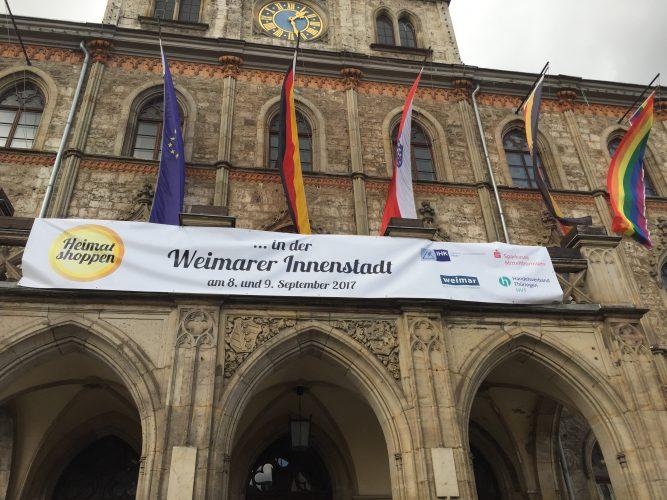 Wirtschaftsminister Wolfgang Tiefensee besucht Heimat shoppen-Aktionstag in Weimar
